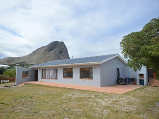 3 bedroom cottage with outdoor braai